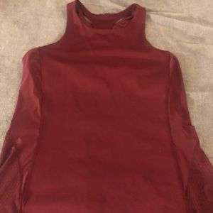 Red mesh tank size 10